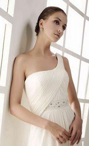 ARIEL-INNOVIAS-E-184x300 Escotes de vestidos