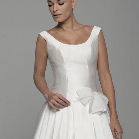 Agnes-escote-vestido-novia-485x485 Estilo Clasico Innovias - Venta Outlet