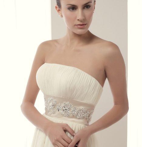 escote-vestido-novia-avalon-468x485 Estilo Clasico Innovias – Linea Plata