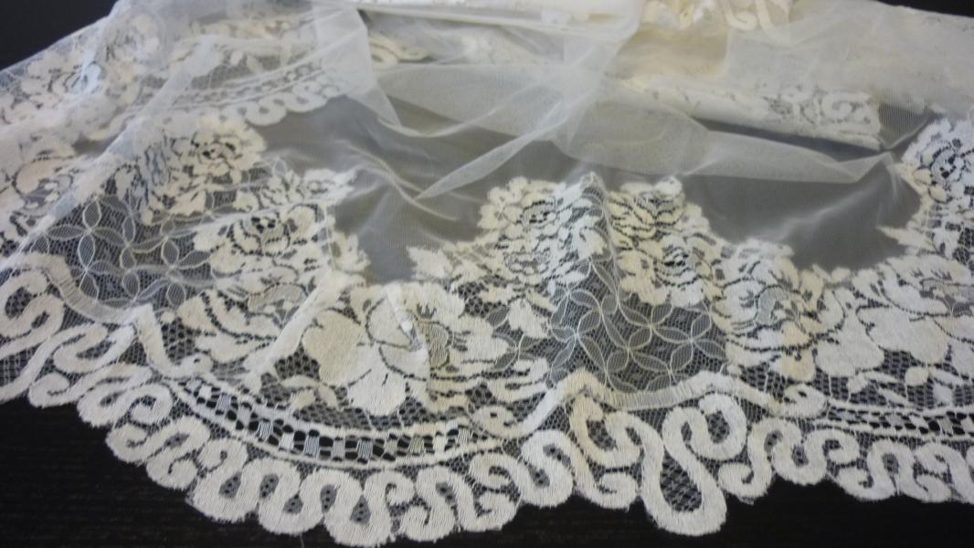 Velo de novia tul de seda con blonda 723