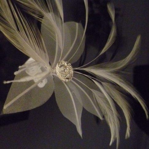 flor de novia plumas Innovias