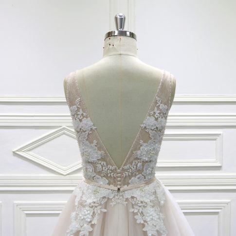 detalle-espalda-vestido-novia-amina-innovias-485x485 Estilo Princesa - Linea Oro
