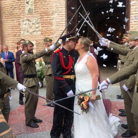 novia-innovias-jessica-salida-iglesia-BR-485x485 Novias Innovias