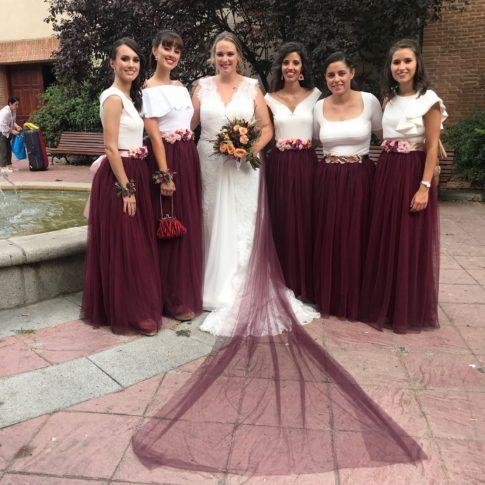 novia-innovias-jessica-velo-tul-burdeos-BR-485x485 Novias Innovias